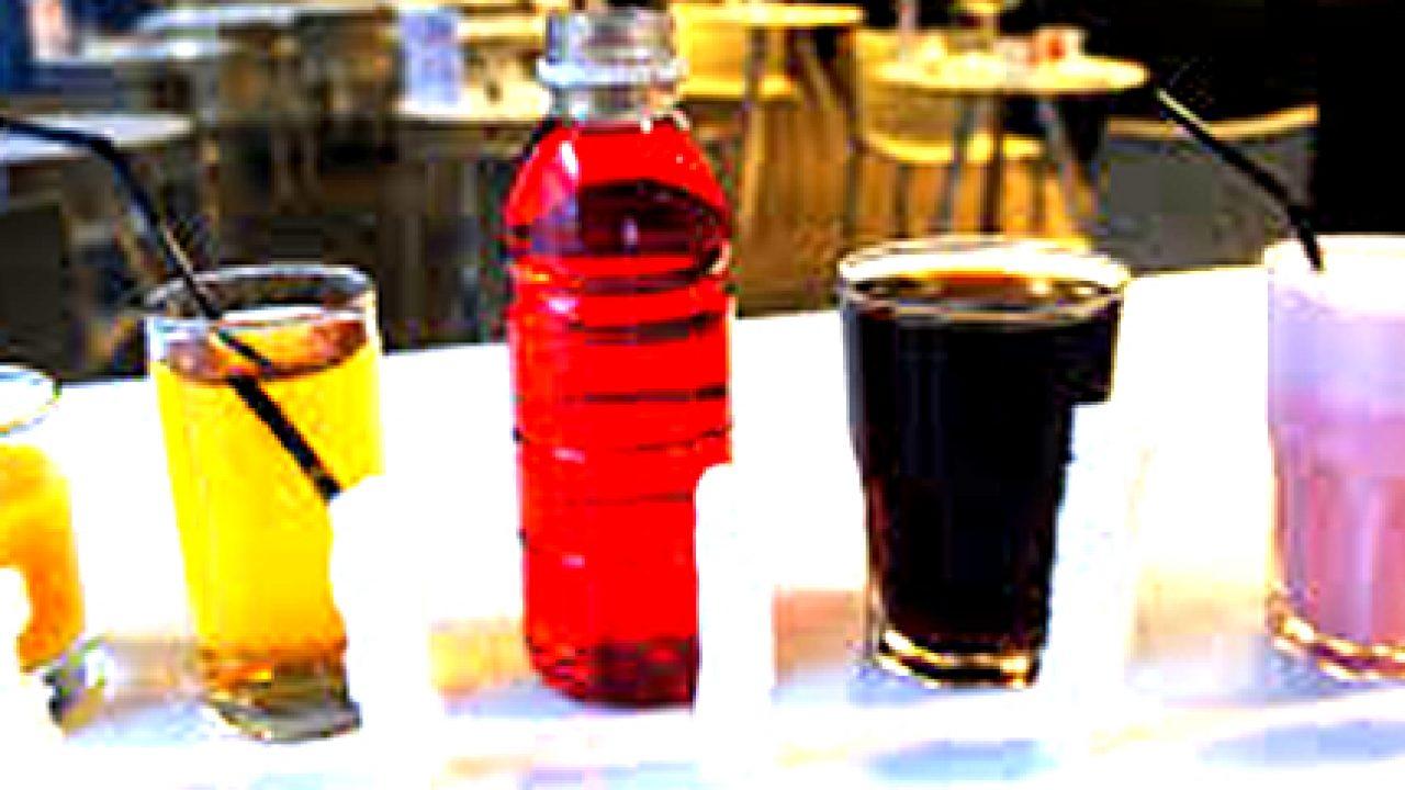 Gran Bretagna: ipotesi di una tassa per limitare le bevande zuccherate