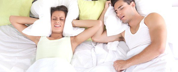 Avete qualche chilo in più e russate durante il sonno? Controllatevi la lingua