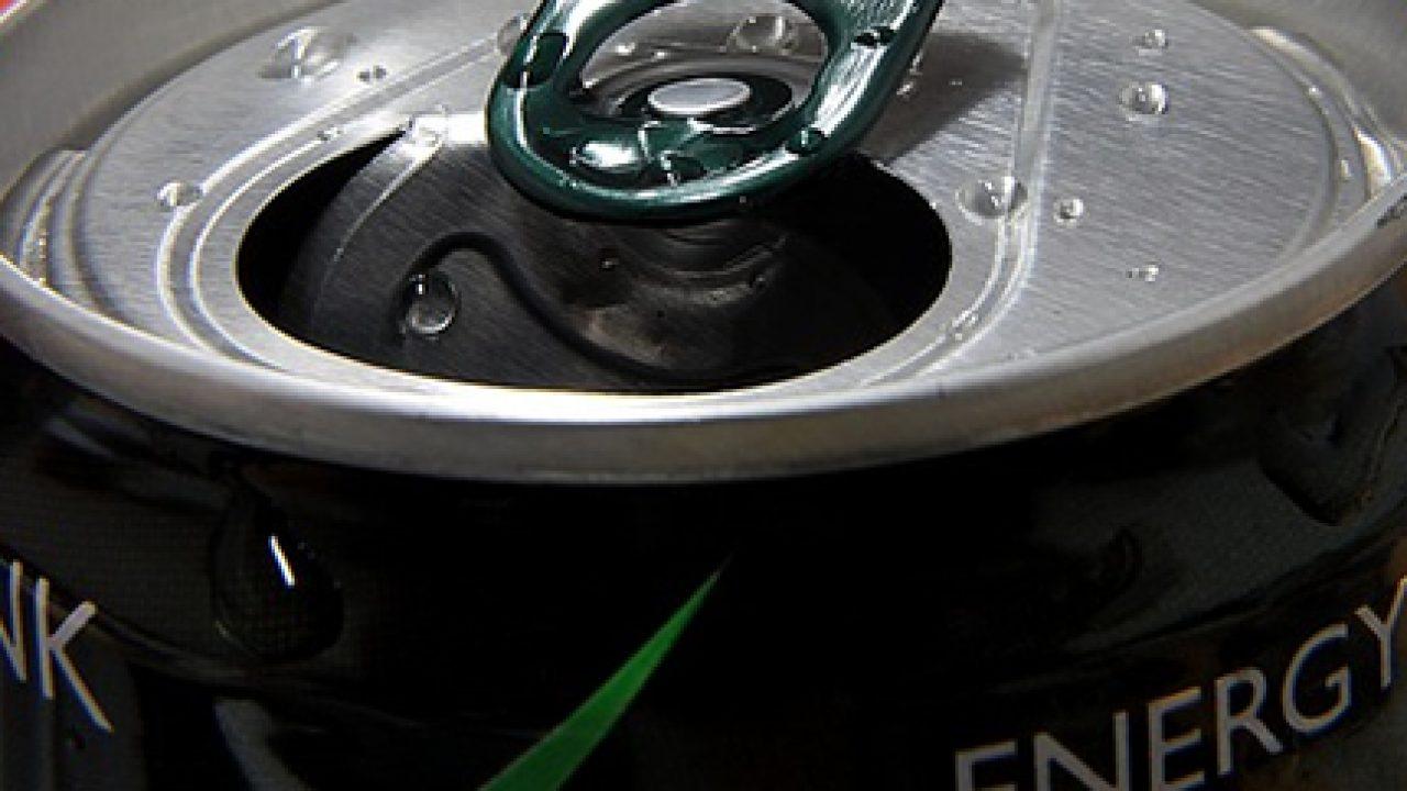 Che cosa sono gli energy drinks e quali sono i rischi di un consumo eccessivo?